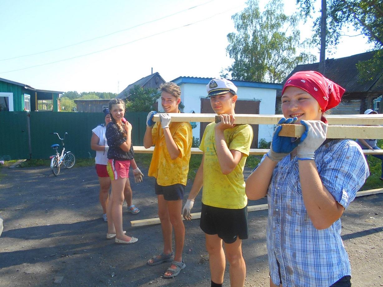 Летний трудовой десант юных католиков