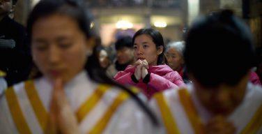 В Китае в результате акций протеста католикам удалось сохранить от сноса свой столетний храм