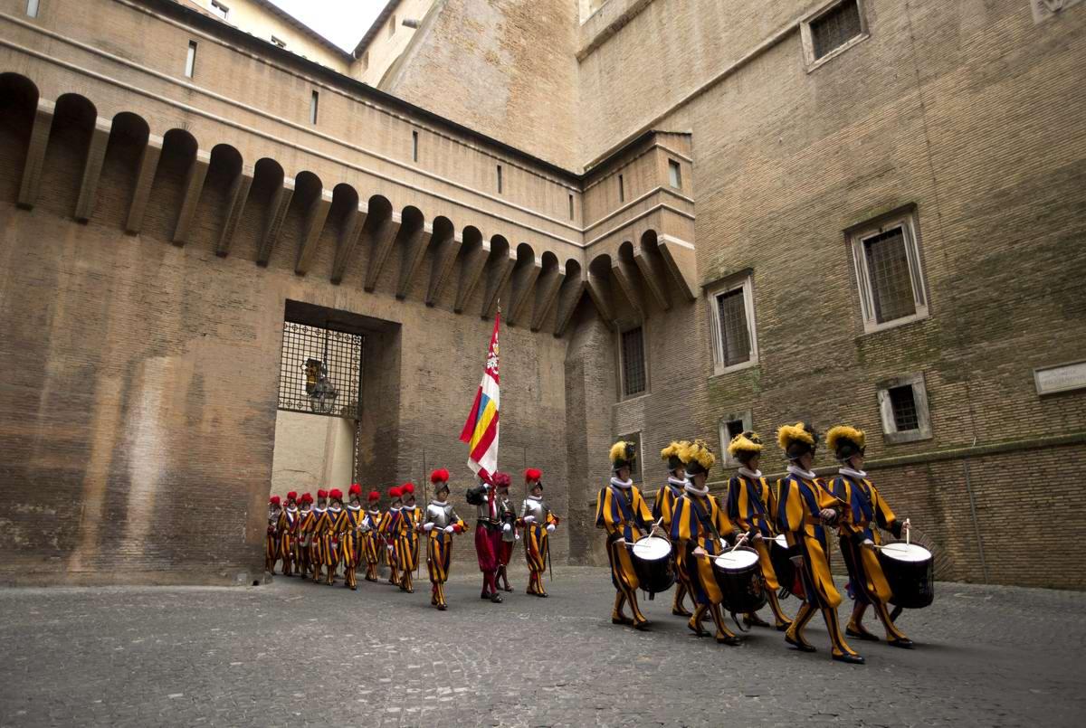 Ватикан: реконструкция казарм Папской гвардии