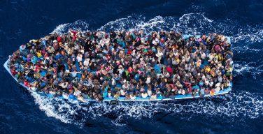 Епископы Италии поддержали политику правительства по спасению мигрантов