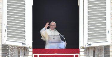 Слово Папы Франциска перед молитвой «Ангел Господень» в 21-е Рядовое воскресенье. 27 августа, площадь Св. Петра
