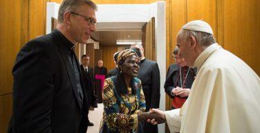 Понтифик принял генсека Всемирного Совета Церквей