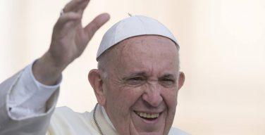 Папа: услышать крик земли и бедных