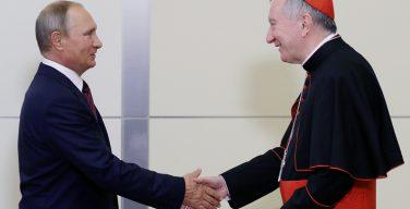 Владимир Путин встретился в Сочи с госсекретарём Ватикана (+ ФОТО)