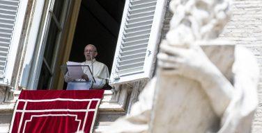 Angelus 27 августа. Папа: в руках Иисуса самый маленький камень в строении Церкви становится драгоценным