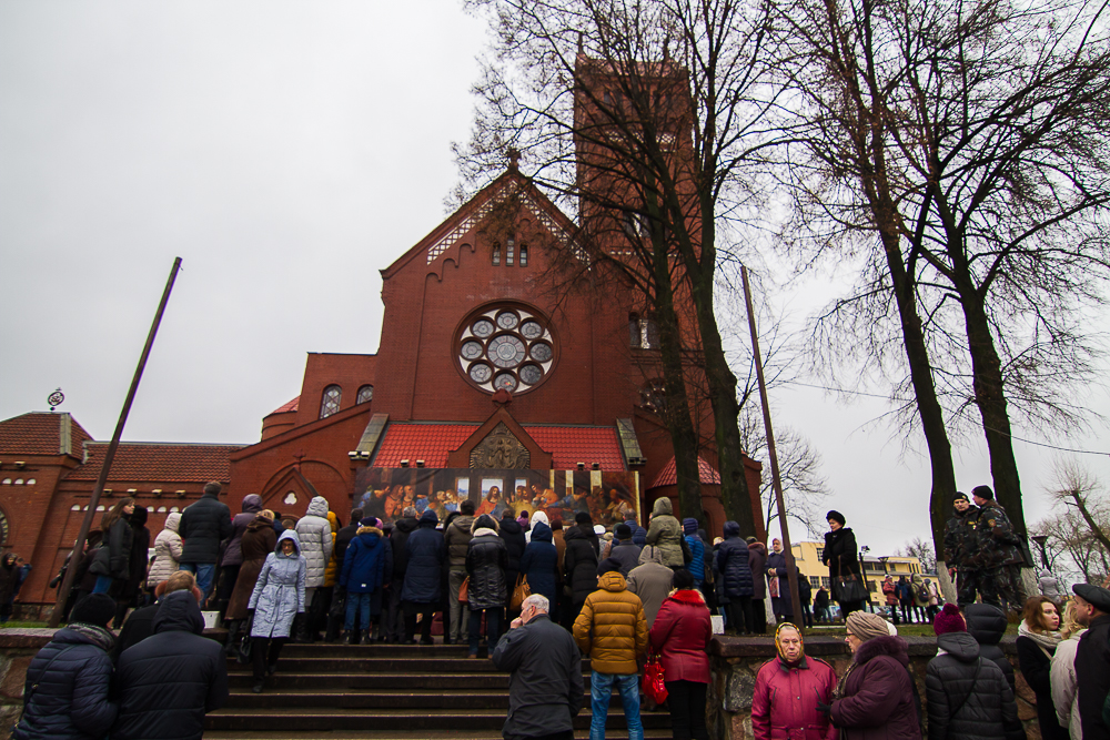 Белоруссия: чиновники запретили Красному костелу звонить в колокола