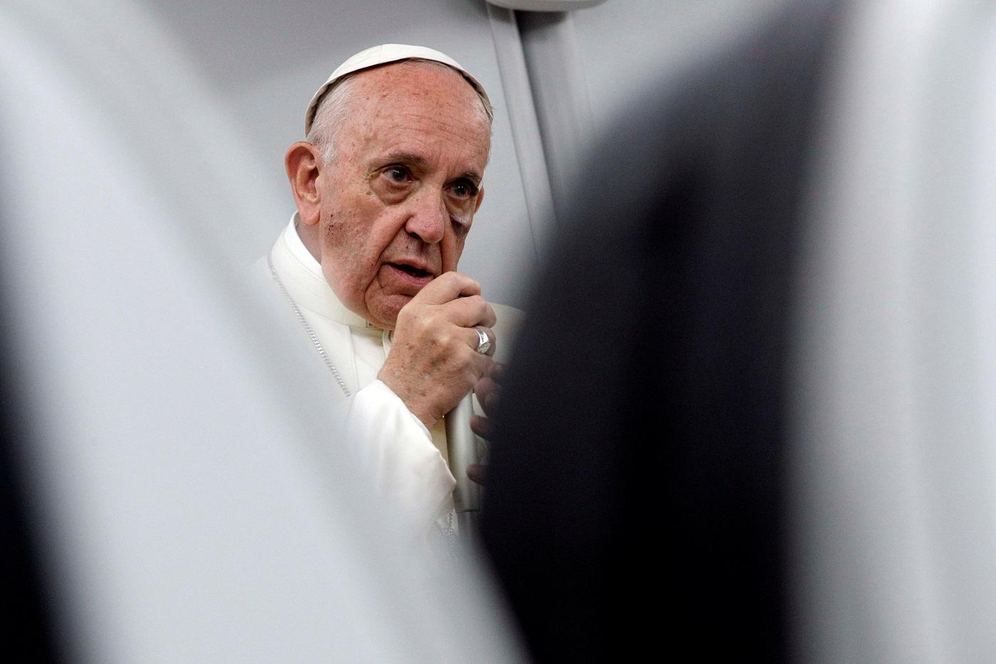 Пресс-конференция Святейшего Отца на борту авиалайнера во время обратного перелета из Колумбии