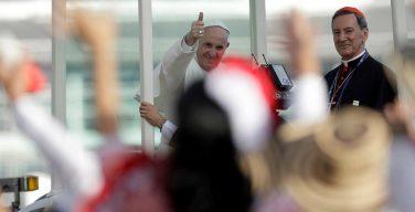 Папу Франциска торжественно приветствовали в Боготе (+ ФОТО)