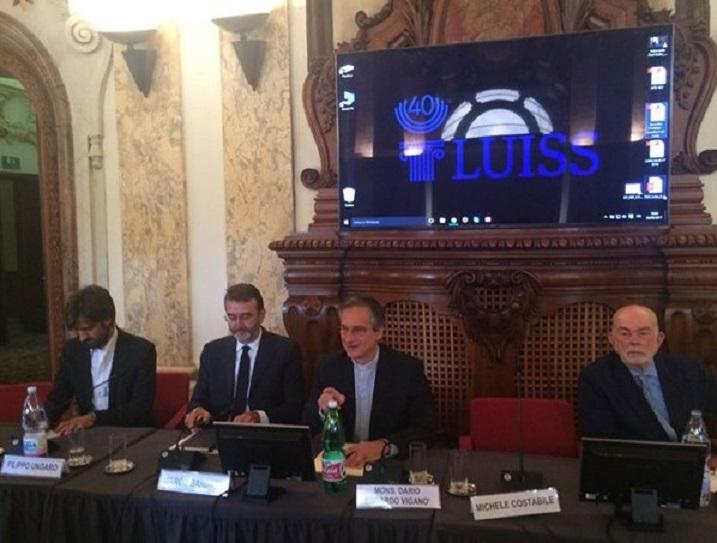 Монс. Вигано: стратегия содержания — в сердце реформы СМИ Ватикана