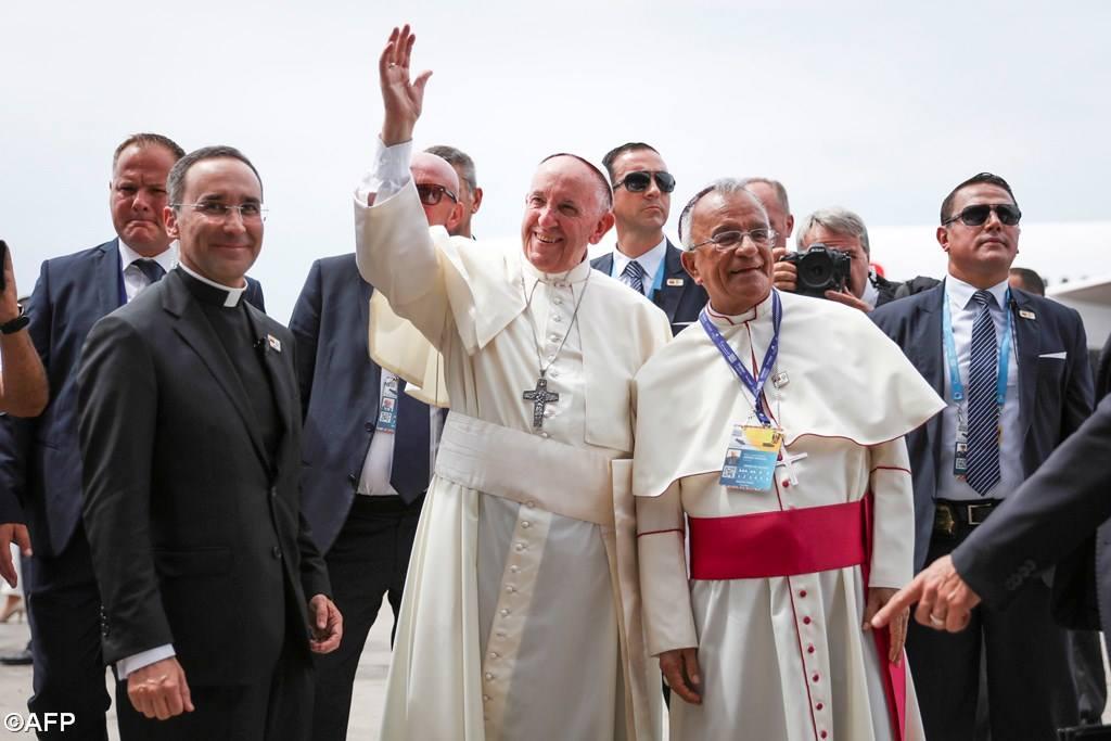 Angelus в Картахене. Папа призвал прекратить насилие в Венесуэле
