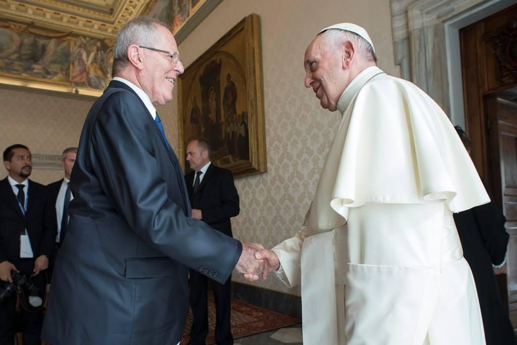 Папа встретился с президентом Перу (+ ФОТО)