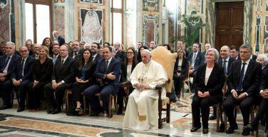 Папа: мафия находит благодатную почву там, где отсутствуют права и возможности