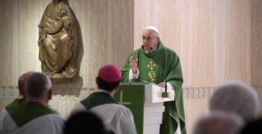Папа: христиане должны открыть свои сердца огню Святого Духа