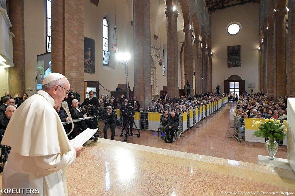 Визит в Чезену: Папа призвал духовенство способствовать революции нежности