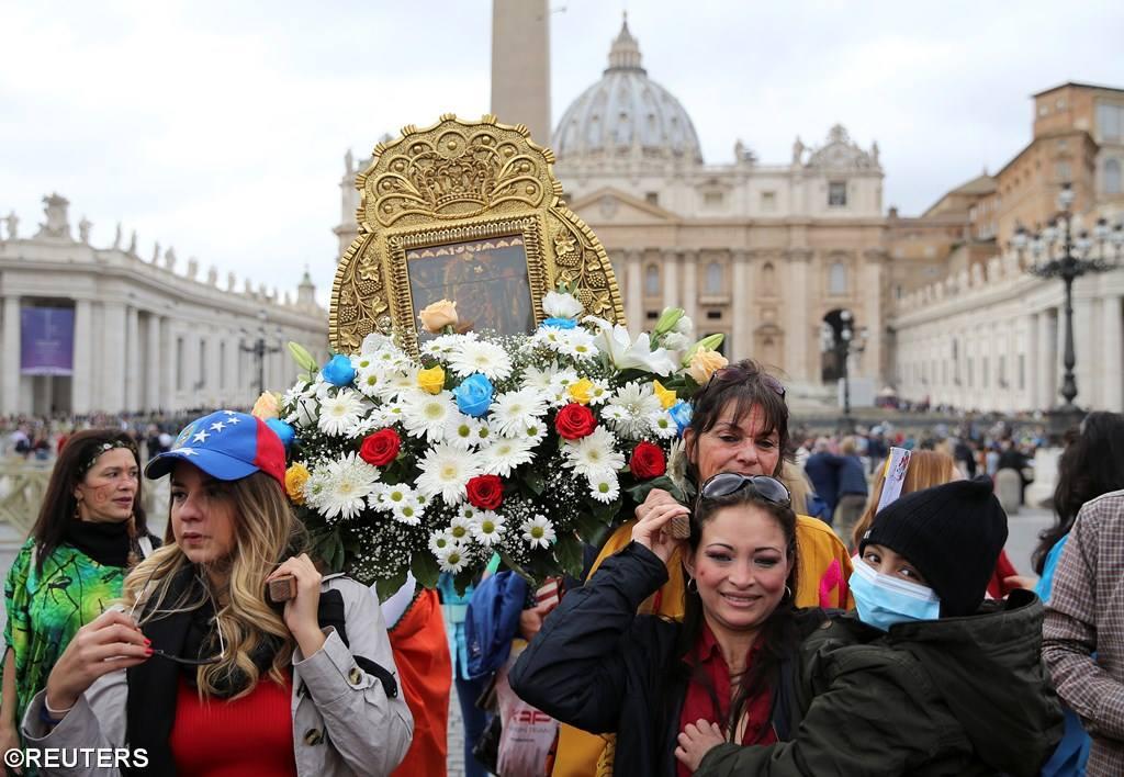 Angelus 29 октября. Папа: без любви и жизнь и вера остаются бесплодными (+ ФОТО)