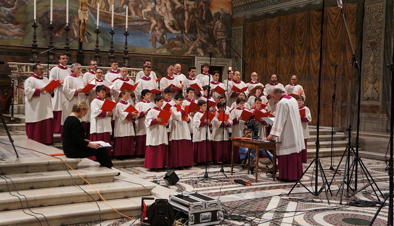 Папская Сикстинская капелла записала уникальный компакт-диск на Адвент и Рождество