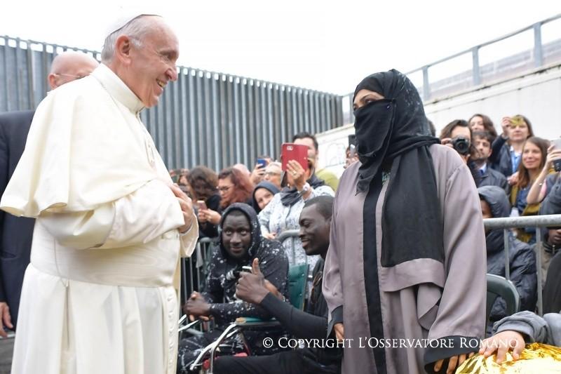 Папа Франциск в Болонье: мигрантов боятся потому, что их не знают