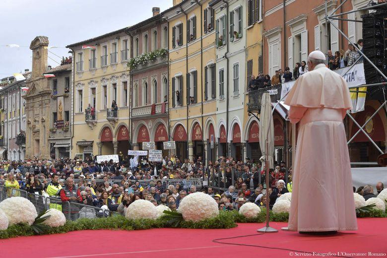 Святейший Отец посетил Чезену — «город трех Пап» (ФОТО)