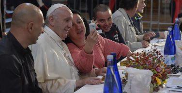 Святейший Отец принял участие в обеде с бедными в Болонье