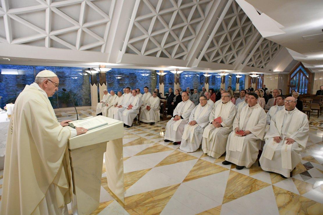 Папа: погрузимся в Божье милосердие вместе с нашими грехами