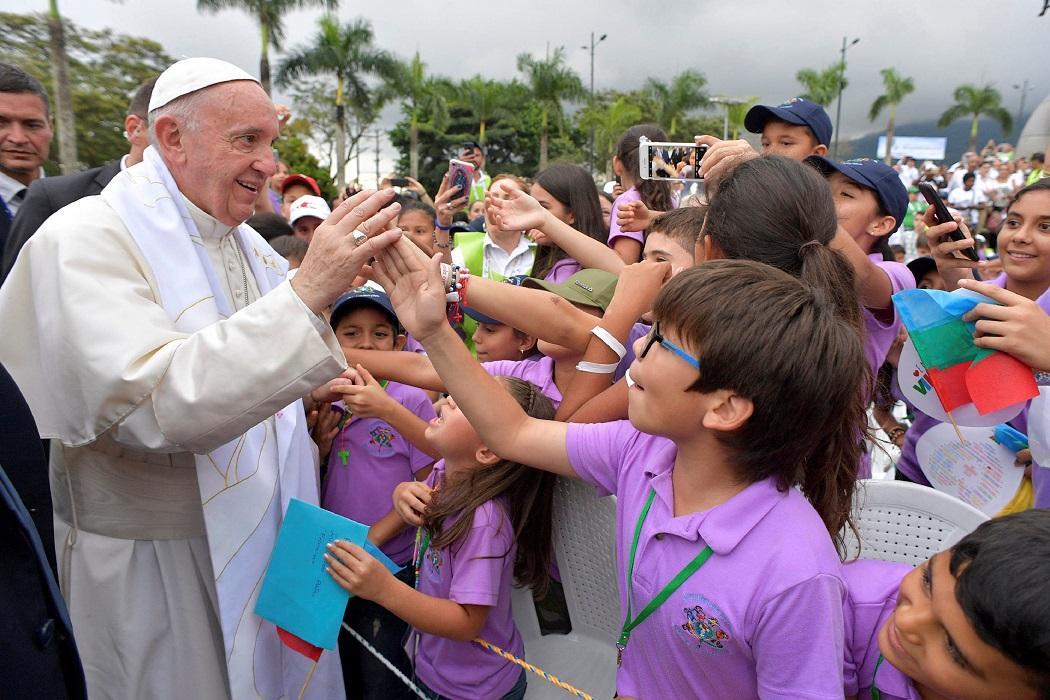 Церковь Колумбии осудила законопроект об эвтаназии несовершеннолетних