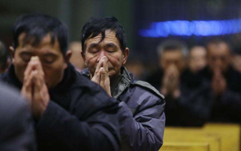 В Китае бедным христианам порекомендовали верить не в Иисуса Христа, а в партию