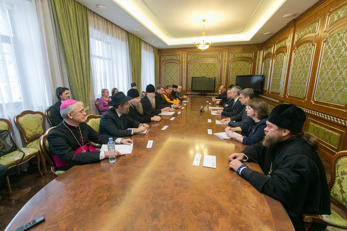 Владыка Иосиф Верт принял участие во встрече с и.о. губернатора Новосибирской области
