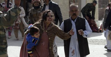 СМИ сообщили о девяти погибших при атаке смертника на церковь в Пакистане