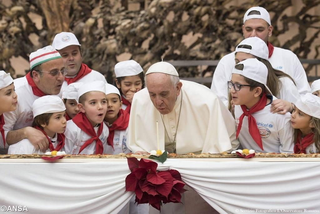Папа Франциск отмечает свой 81-й день рождения (+ ФОТО)