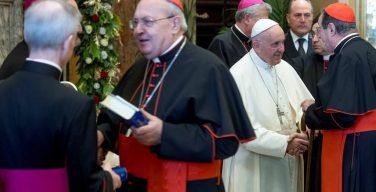 Папа Франциск — Римской Курии: преодолеть «логику заговора»