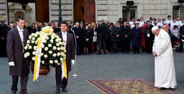 В праздник Непорочного Зачатия Девы Марии Папа Франциск помолился о Риме (ФОТО)