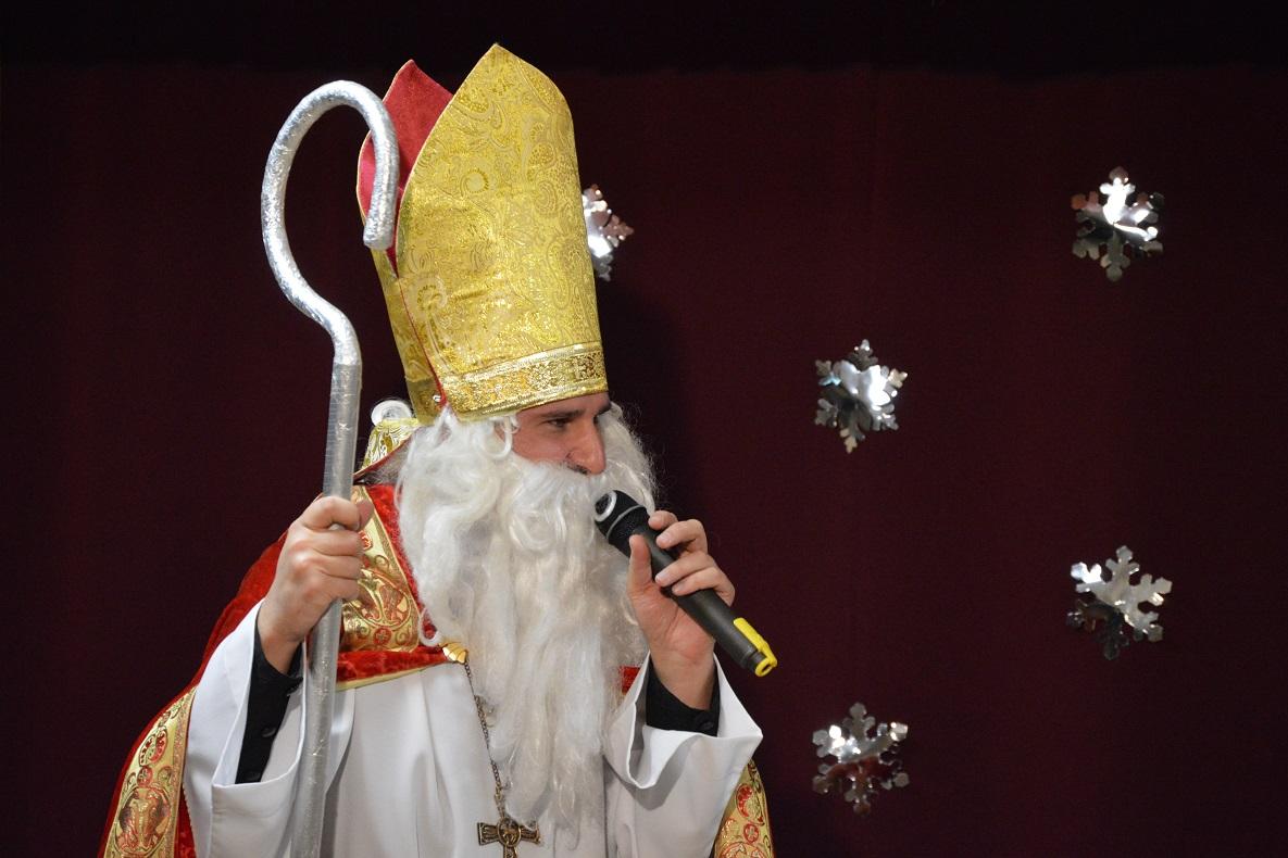 Святой Николай пришел в Новосибирский «Каритас» (ФОТО)