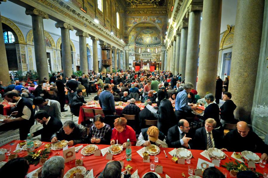 На Рождество Община Святого Эгидия собрала на обед более 200.000 бедных