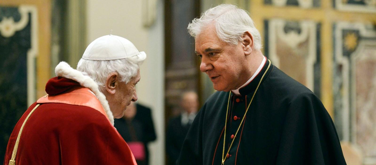 Бенедикт XVI – кард. Мюллеру: «Ты защищал ясные традиции веры, но в духе Папы Франциска старался понять, как применить их к сегодняшнему дню»