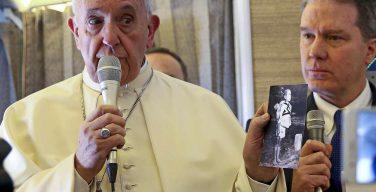 Папа Франциск признался журналистам, что он боится ядерной войны
