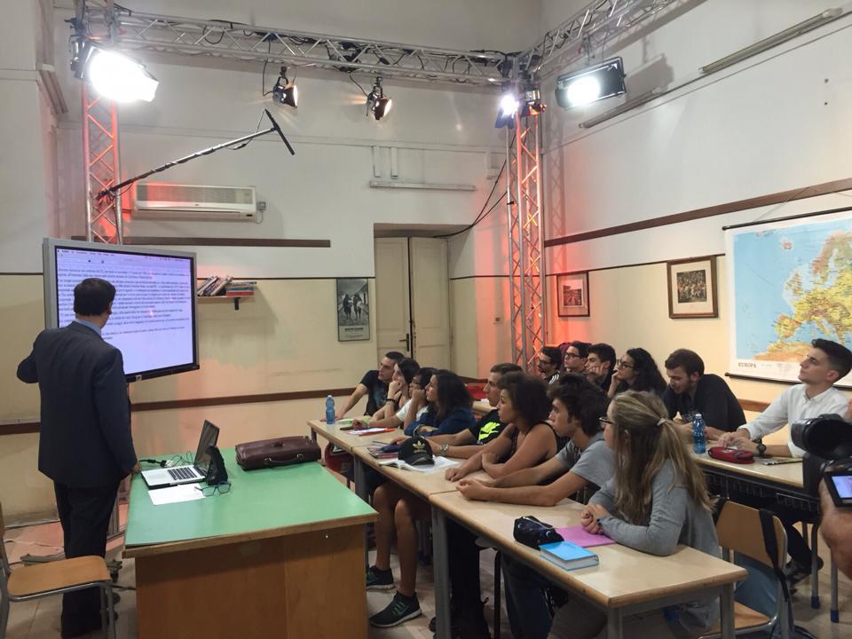 Итальянские епископы призывают школьников не отказываться от посещения уроков католического религиоведения