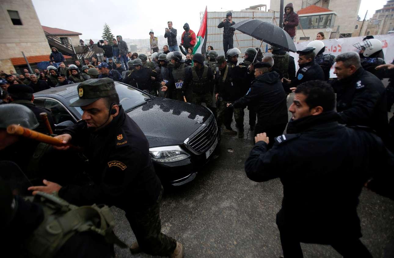 В канун Рождества Христова палестинские арабы напали на Патриарха Иерусалимского Феофила