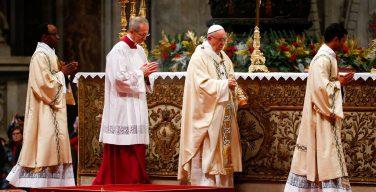 Папа: чтобы найти Господа, нужно увидеть звезду, отправиться в путь и принести Ему дары (+ ФОТО)