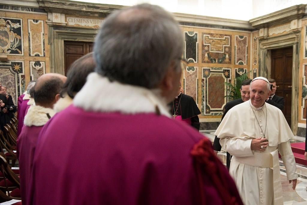 Папа: служение судей Римской Роты помогает верным «примириться с совестью»