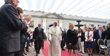 Папа: Чили есть за что благодарить Господа (+ ФОТО)