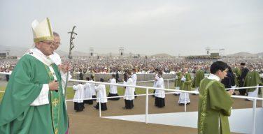 Папа: человечность общества измеряется отношением к страданию и к страдающим (+ ФОТО)