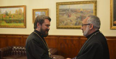 Состоялась встреча председателя ОВЦС с ординарием Армяно-Католической Церкви в Армении, Грузии, России и Восточной Европе
