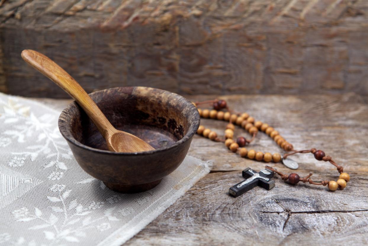 Порядок поста и воздержания от мясной пищи в Католической Церкви латинского обряда в России