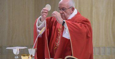 Папа: взойти к молитве поклонения