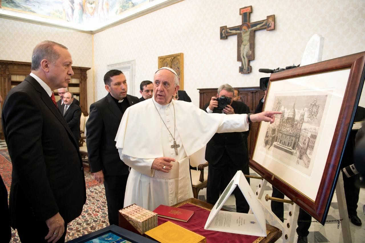 Папа Франциск встретился с президентом Турции (ФОТО)
