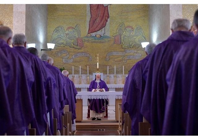 На реколлекциях с участием Папы размышляли о значении слез