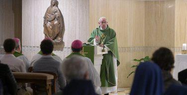 Папа: размышления о смерти спасают от иллюзий власти над временем