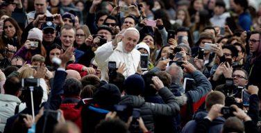 На общей аудиенции Папа Франциск призвал осознать всю значимость Священного Пасхального Триденствия