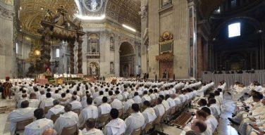 Папа Франциск пообедал со священниками Римской архиепархии