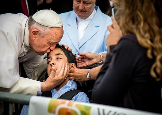 Представители Ватикана, хорошо знающие понтифика, рассказали о нем москвичам